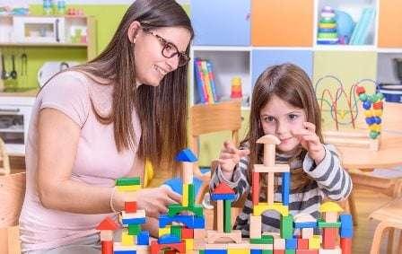 Kenali 10 Tipe Anak yang Perlu Jalani Play Therapy