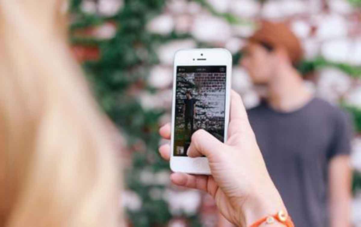 5 Cara Jitu Bikin Foto Candid Makin Keren dan Menarik