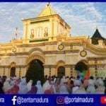 Jemaah Salat Id di Masjid Jamik Sumenep