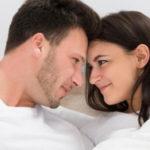 5 Cara Mudah Bikin Pasangan Lebih Lama di Ranjang