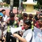 Soroti Penanganan Kasus Kriminal, Mahasiswa Kangean Demo Polres Sumenep