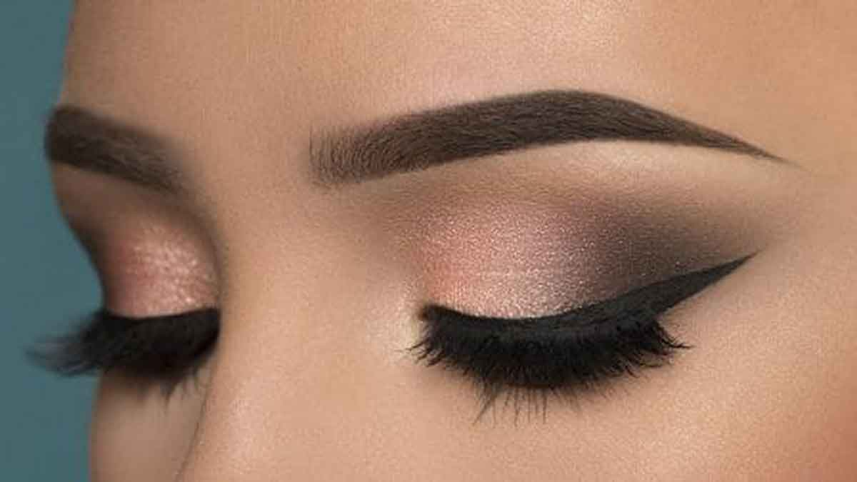 Trik Jitu Makeup Smokey Eyes Mempercantik Kaum Perempuan