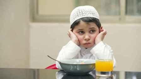 Lupa Membaca Doa Saat Makan? Bacalah Doa Ini!