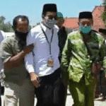 Proses loyalis menjemput Ra Mamak di KPU Sumenep (Ist)