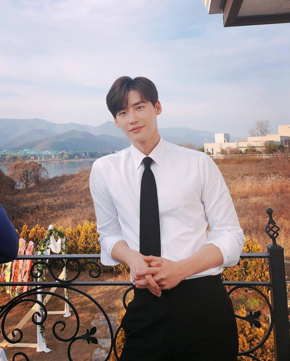 model rambut pria korea Curtain Haircut Lee Jong Suk