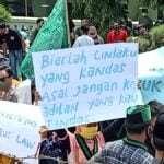 HMI Sumenep aksi tolak UU Cipta Kerja di depan Kantor DPRD Sumenep, Jl. Trunojoyo Sumenep (@portalmadura.com)