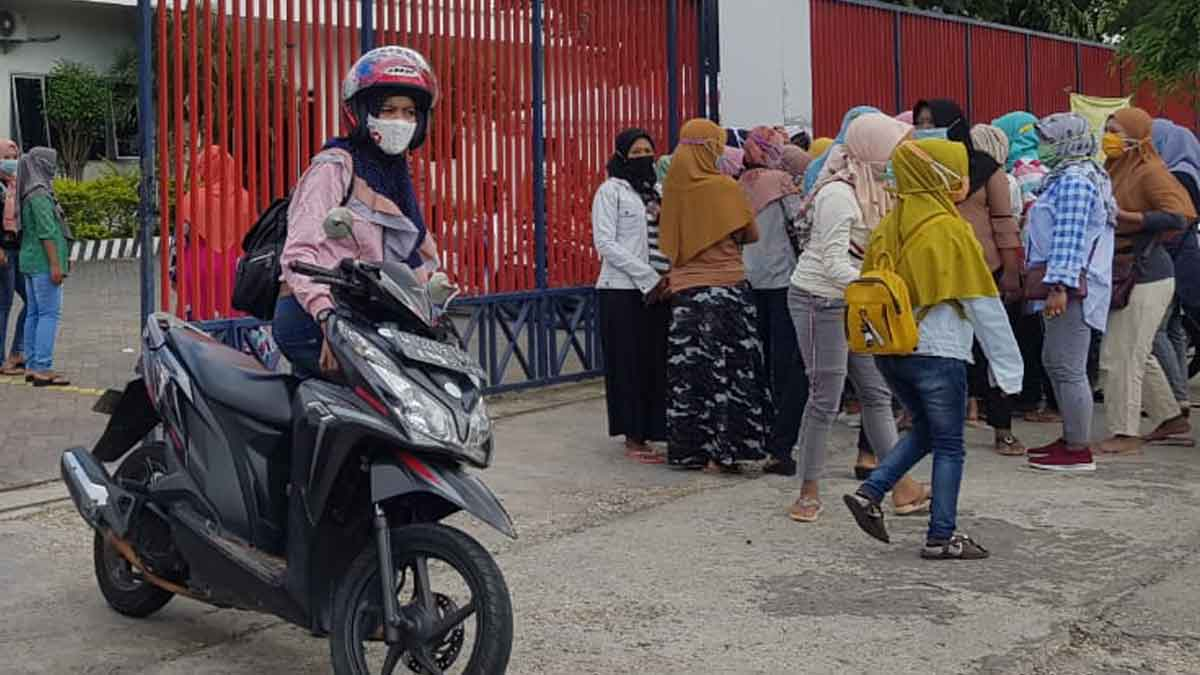 Pintu masuk PT Tanjung Odi, Sumenep (@portalmadura.com)