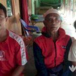 Tanpa Orang Tua, Bocah SD Sampang Rawat Kakek dan Kakak Kandung Lumpuh