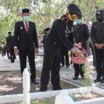 Tabur Bunga dan Ziarah di TMP, Sampang Perketat Prokes