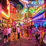 Patpong Wisata malam dengan hiburan panas yang dilegalkan oleh pemerintah Thailand
