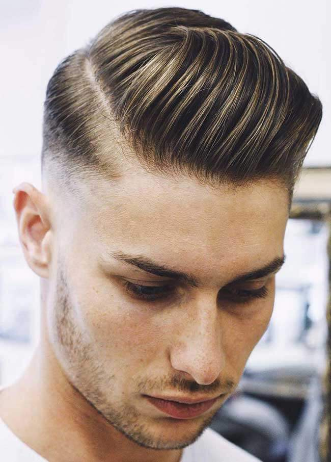 model rambut jambul pria Side Swept Pompadour