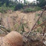 BreakingNews-Bukit-Longsor,-Lima-Santri-Dikabarkan-Meninggal-Dunia