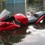 Lakukan 6 Cara Ini Jika Motor Terendam Banjir
