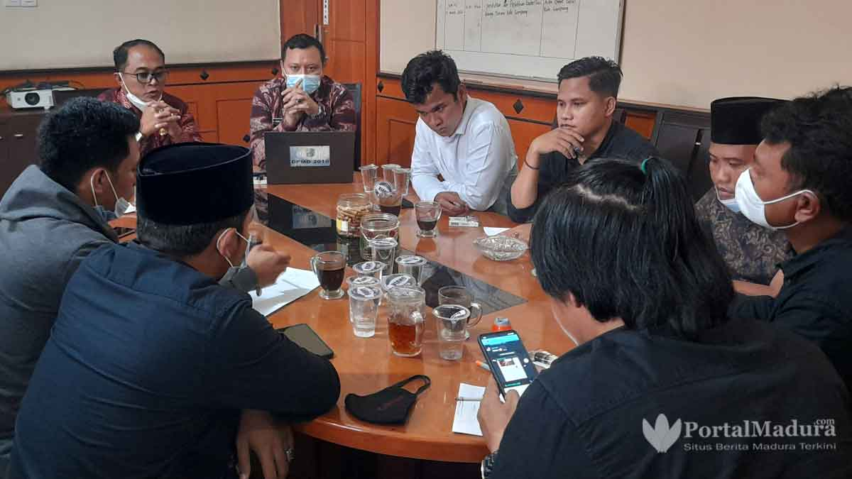 Santer Isu Pilkades Ditunda, Pemkab Sampang Kaji Perbup