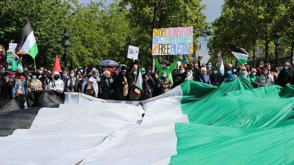 Ribuan Pengunjuk Rasa Tuntut Sanksi untuk Israel di Paris