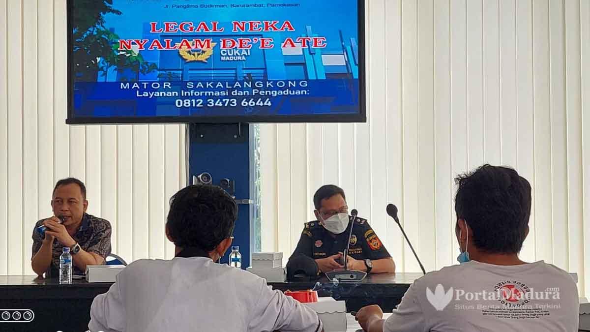 Berantas Rokok Ilegal, Bea Cukai dan Kominfo Sampang Gelar Sosialisasi