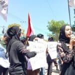 Mahasiswa Tagih Janji Bupati Achmad Fauzi Plesetkan Bismillah Mematikan